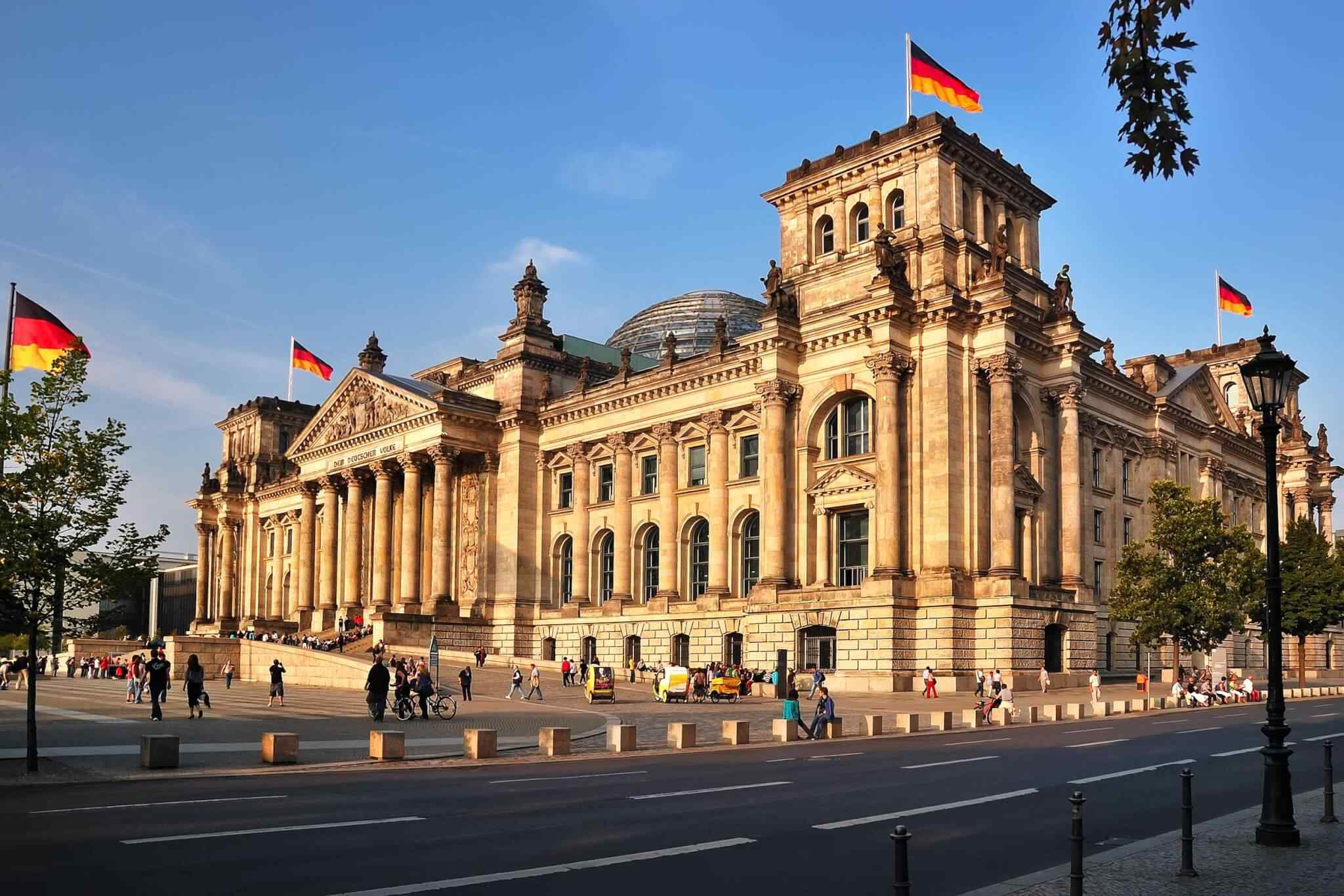 https://www.banitours.com/wp-content/uploads/2018/09/destination-berlin-01.jpg