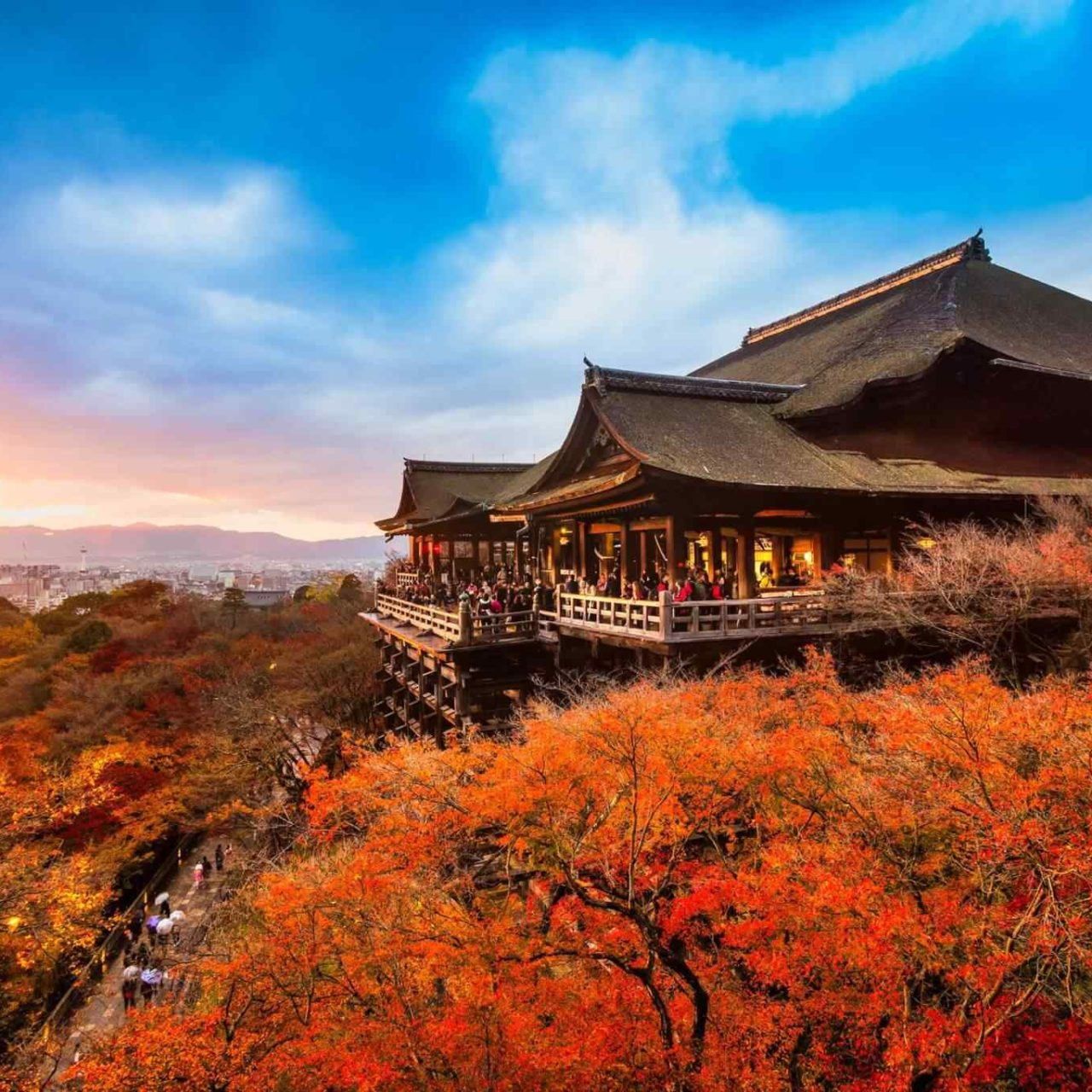 https://www.banitours.com/wp-content/uploads/2018/09/destination-kyoto-01-1280x1280.jpg