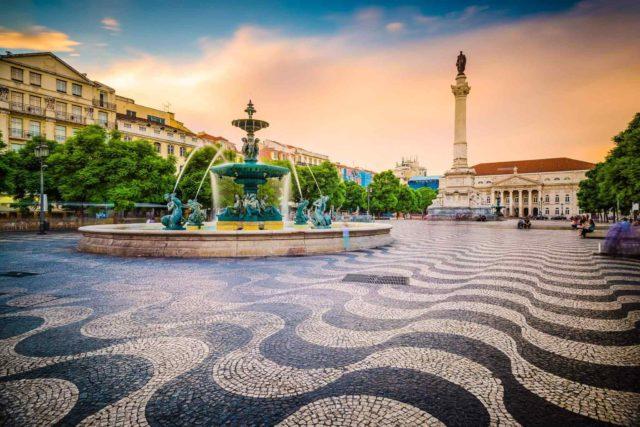https://www.banitours.com/wp-content/uploads/2018/09/tour-portugal-01-640x427.jpg